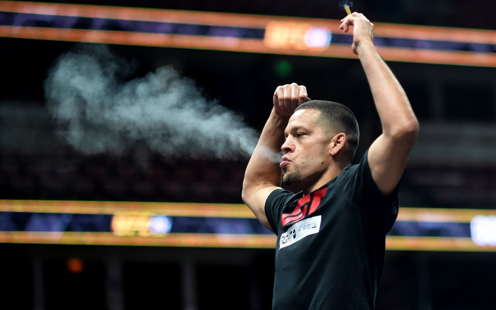 Nate Diaz fajčí trávu